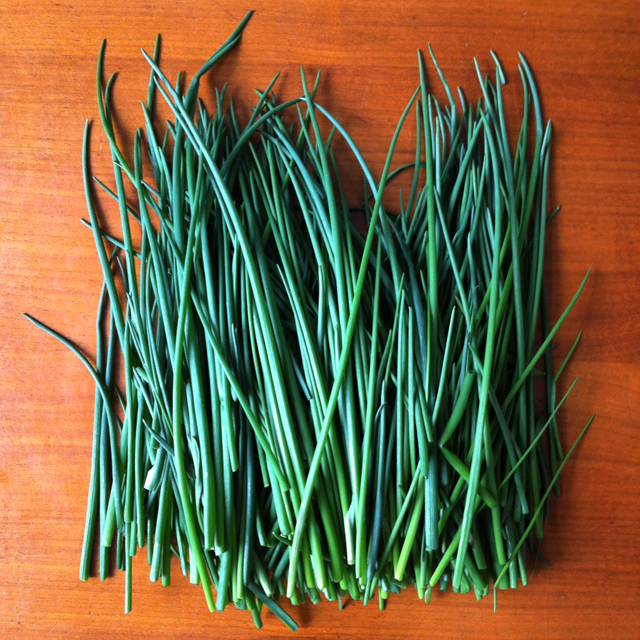 Many chives